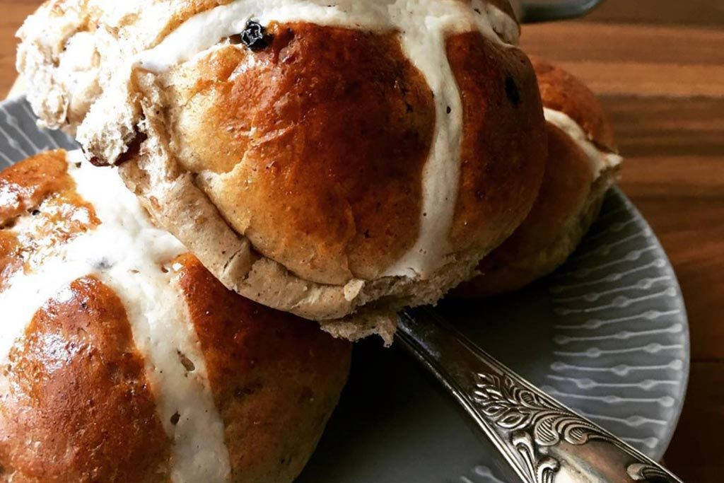 home-made-hot-cross-buns-perth-home-01